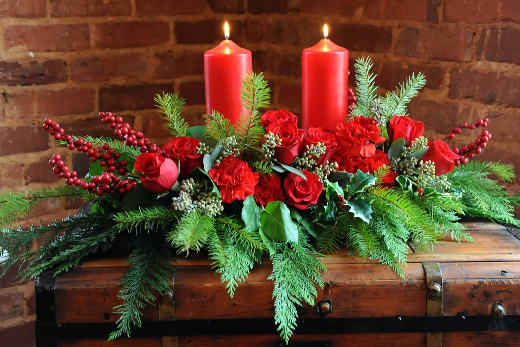 Make a Statement at Your Holiday Party with Stylish Flowers and Centerpieces